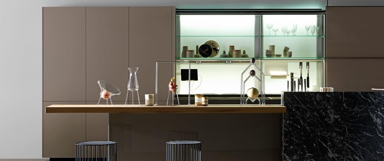 Lighting with glass shelves